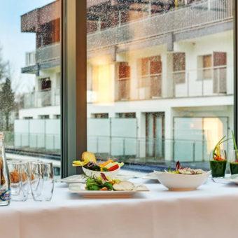 Primavera Jastrzębia Góra słodka przerwa kawowa w hotelu nad morzem